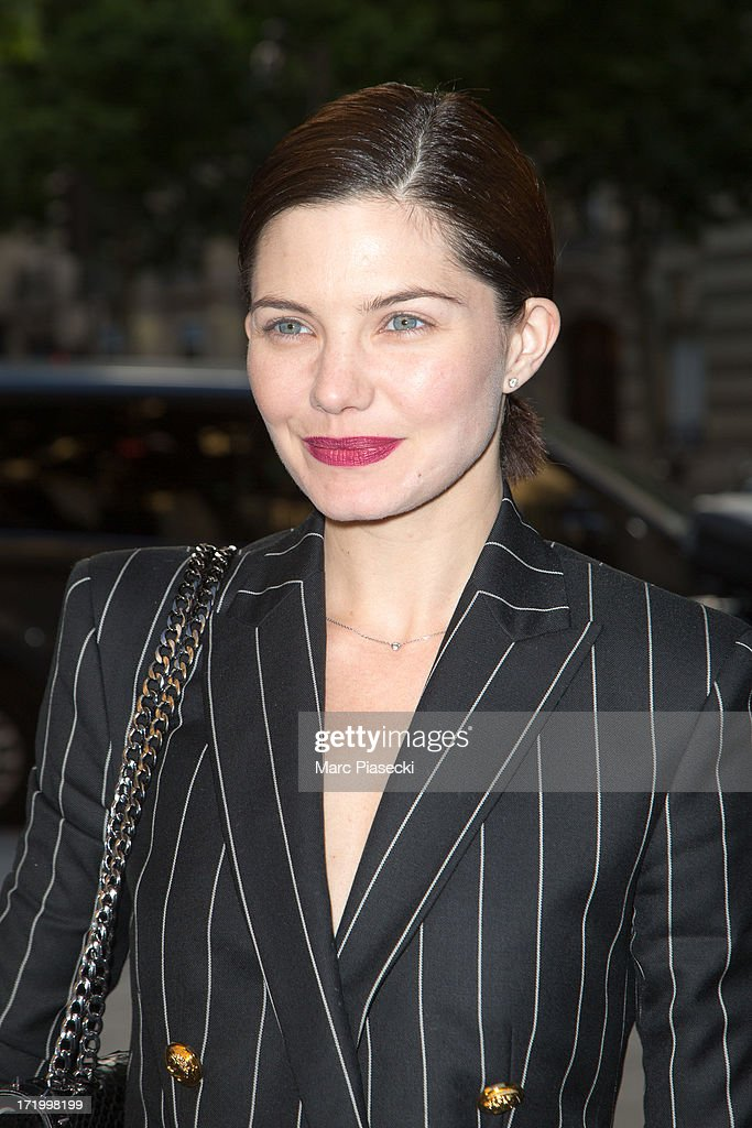 Actress <a gi-track='captionPersonalityLinkClicked' href=/galleries/search?phrase=Delphine+Chaneac&family=editorial&specificpeople=794094 ng-click='$event.stopPropagation()'>Delphine Chaneac</a> arrives to attend the Versace show as part of Paris Fashion Week Haute-Couture Fall/Winter 2013-2014 on June 30, 2013 in Paris, France.
