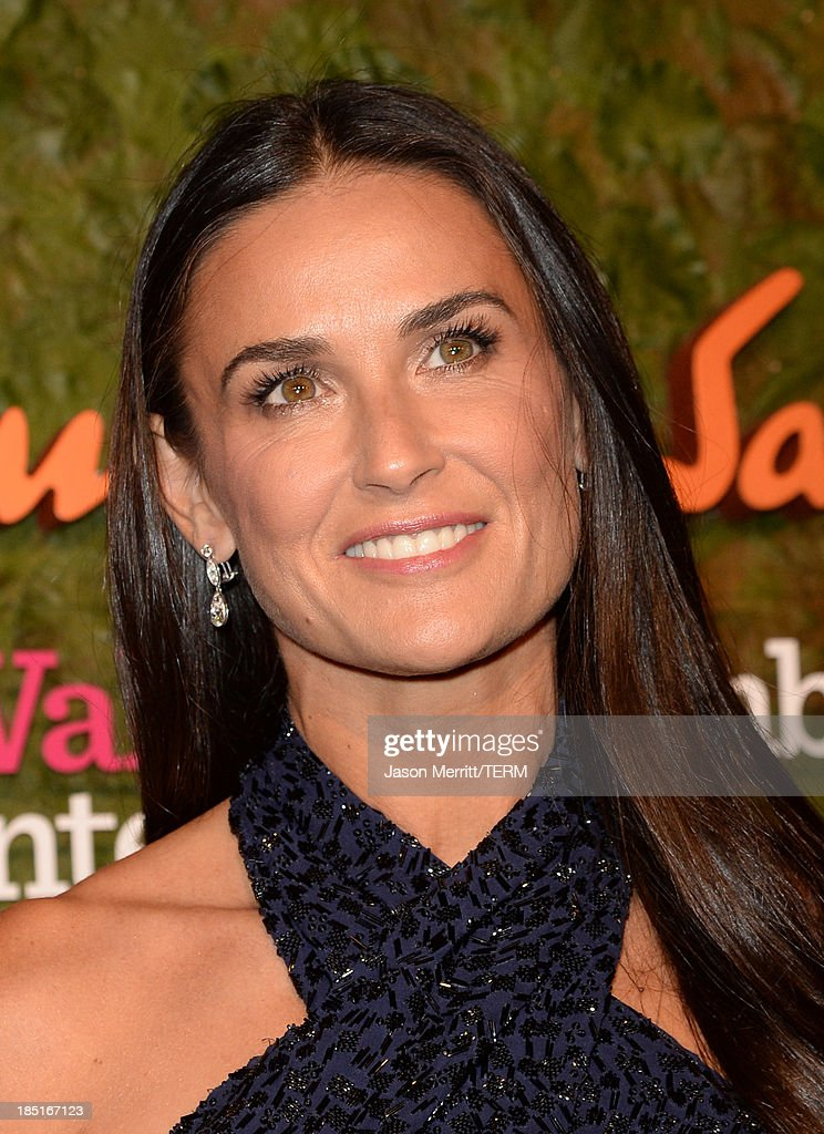 Actress <a gi-track='captionPersonalityLinkClicked' href=/galleries/search?phrase=Demi+Moore&family=editorial&specificpeople=202121 ng-click='$event.stopPropagation()'>Demi Moore</a> arrives at the Wallis Annenberg Center for the Performing Arts Inaugural Gala presented by Salvatore Ferragamo at the Wallis Annenberg Center for the Performing Arts on October 17, 2013 in Beverly Hills, California.