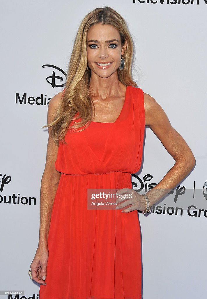 Actress <a gi-track='captionPersonalityLinkClicked' href=/galleries/search?phrase=Denise+Richards+-+Actress&family=editorial&specificpeople=208108 ng-click='$event.stopPropagation()'>Denise Richards</a> arrives at the Disney Media Networks International Upfronts at Walt Disney Studios on May 19, 2013 in Burbank, California.