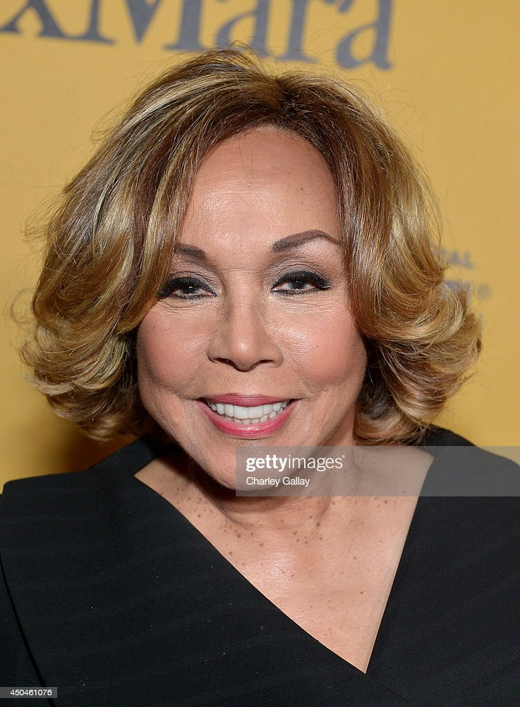 Actress <a gi-track='captionPersonalityLinkClicked' href=/galleries/search?phrase=Diahann+Carroll&family=editorial&specificpeople=240336 ng-click='$event.stopPropagation()'>Diahann Carroll</a> attends Women In Film 2014 Crystal + Lucy Awards presented by MaxMara, BMW, Perrier-Jouet and South Coast Plaza held at the Hyatt Regency Century Plaza on June 11, 2014 in Los Angeles, California.