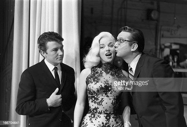 Actress Diana Dors Marries Actor Richard C Dawson Le 12 avril 1959 à l'occasion de la réception de leur mariage l'actrice anglaise Diana DORS...