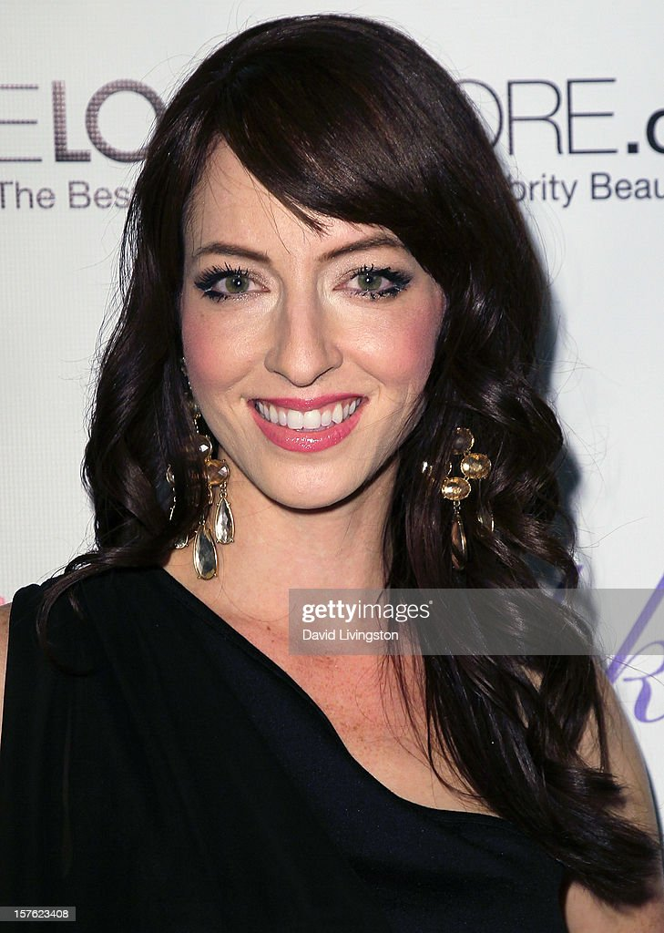 Actress Diana Popick attends the Fredric Fekkai Salon Holiday Party at Frederic Fekkai Hair Salon on December 4, 2012 in West Hollywood, California.