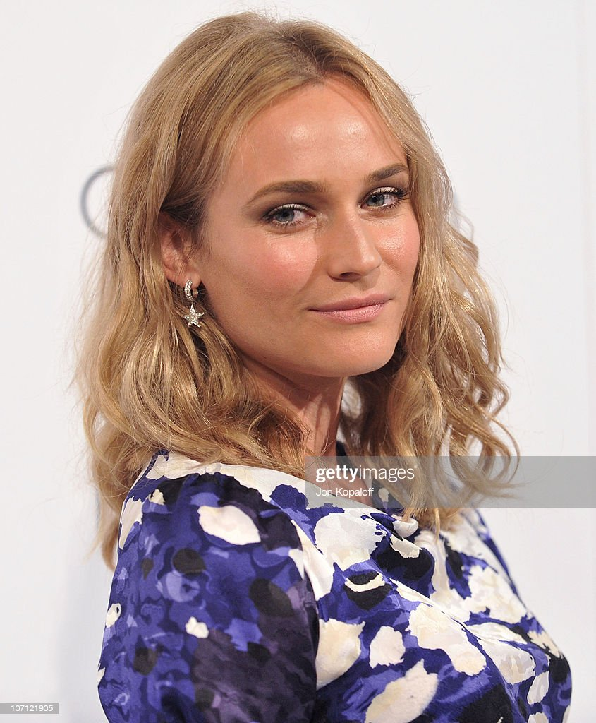 Actress <a gi-track='captionPersonalityLinkClicked' href=/galleries/search?phrase=Diane+Kruger&family=editorial&specificpeople=202640 ng-click='$event.stopPropagation()'>Diane Kruger</a> arrives at ELLE's 16th Annual Women In Hollywood Event at the Four Seasons Hotel on October 19, 2009 in Beverly Hills, California.