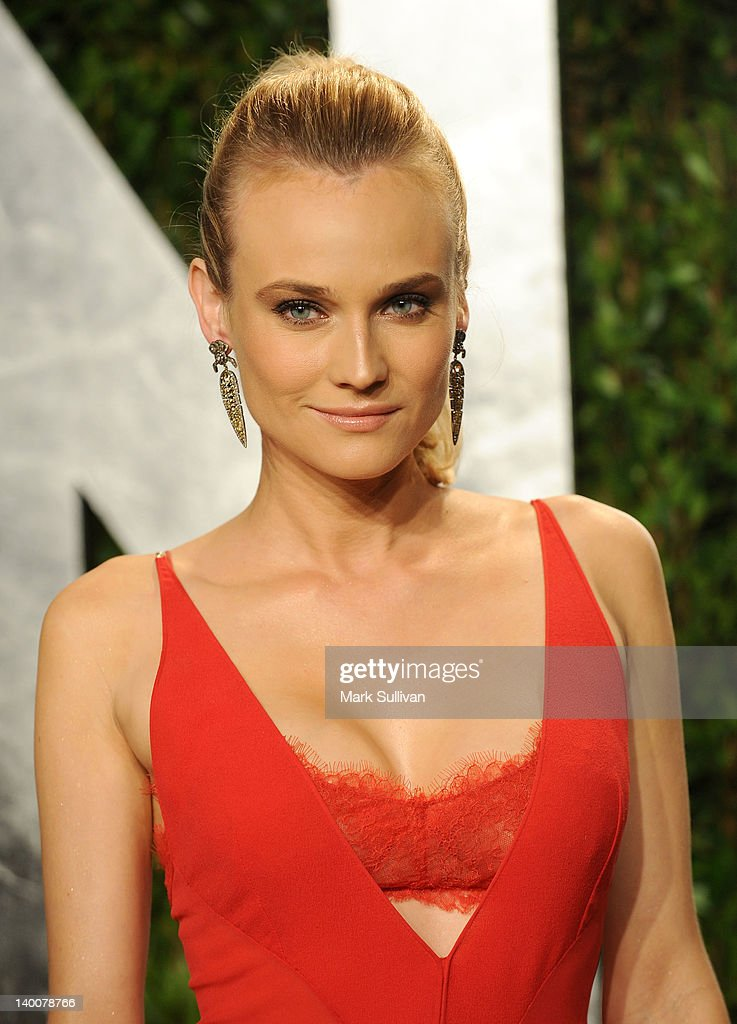 Actress <a gi-track='captionPersonalityLinkClicked' href=/galleries/search?phrase=Diane+Kruger&family=editorial&specificpeople=202640 ng-click='$event.stopPropagation()'>Diane Kruger</a> arrives at the 2012 Vanity Fair Oscar Party hosted by Graydon Carter at Sunset Tower on February 26, 2012 in West Hollywood, California.
