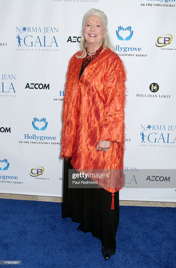 Actress <a gi-track='captionPersonalityLinkClicked' href=/galleries/search?phrase=Diane+Ladd&family=editorial&specificpeople=226819 ng-click='$event.stopPropagation()'>Diane Ladd</a> arriving at the 2nd Annual Norma Jean Gala 2014 at The Paley Center for Media on March 18, 2014 in Beverly Hills, California.