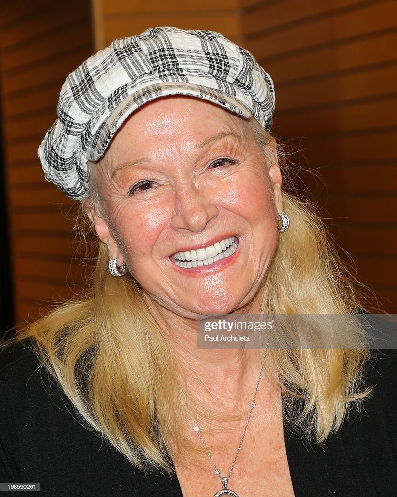 Actress Diane Ladd signs copies of her new book 'A Bad Afternoon For A Piece Of Cake' at Barnes & Noble 3rd Street Promenade on May 11, 2013 in Santa Monica, California.