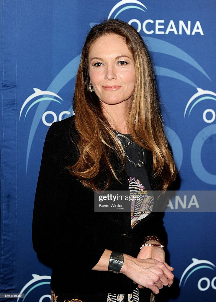 Actress <a gi-track='captionPersonalityLinkClicked' href=/galleries/search?phrase=Diane+Lane&family=editorial&specificpeople=206364 ng-click='$event.stopPropagation()'>Diane Lane</a> arrives at the Oceana Partners Award Gala at the Beverly Wilshire Hotel on October 30, 2013 in Beverly Hills, California.
