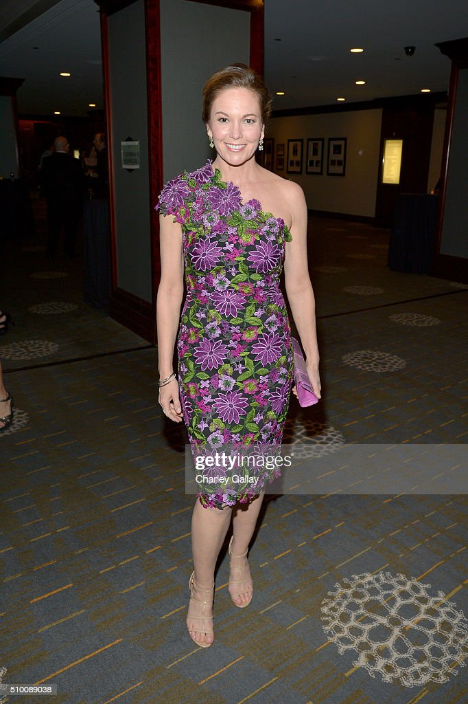Actress <a gi-track='captionPersonalityLinkClicked' href=/galleries/search?phrase=Diane+Lane&family=editorial&specificpeople=206364 ng-click='$event.stopPropagation()'>Diane Lane</a> attends the Cocktail Reception before the 2016 Writers Guild Awards at the Hyatt Regency Century Plaza on February 13, 2016 in Los Angeles, California.