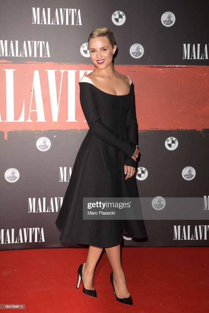 Actress <a gi-track='captionPersonalityLinkClicked' href=/galleries/search?phrase=Dianna+Agron&family=editorial&specificpeople=4439685 ng-click='$event.stopPropagation()'>Dianna Agron</a> attends the 'Malavita' premiere on October 16, 2013 in Roissy-en-France, France.