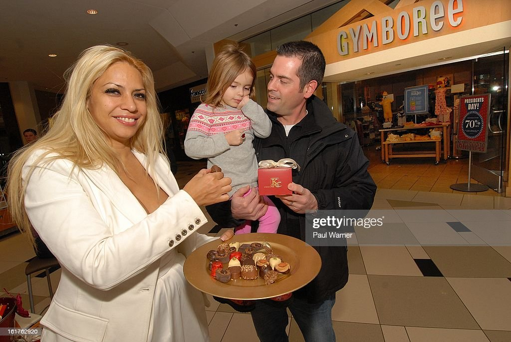 Actress <a gi-track='captionPersonalityLinkClicked' href=/galleries/search?phrase=Dita+de+Leon&family=editorial&specificpeople=635438 ng-click='$event.stopPropagation()'>Dita de Leon</a> poses with fans at the KC Chocolatier stand at Twelve Oaks Mall on February 14, 2013 in Novi, Michigan.