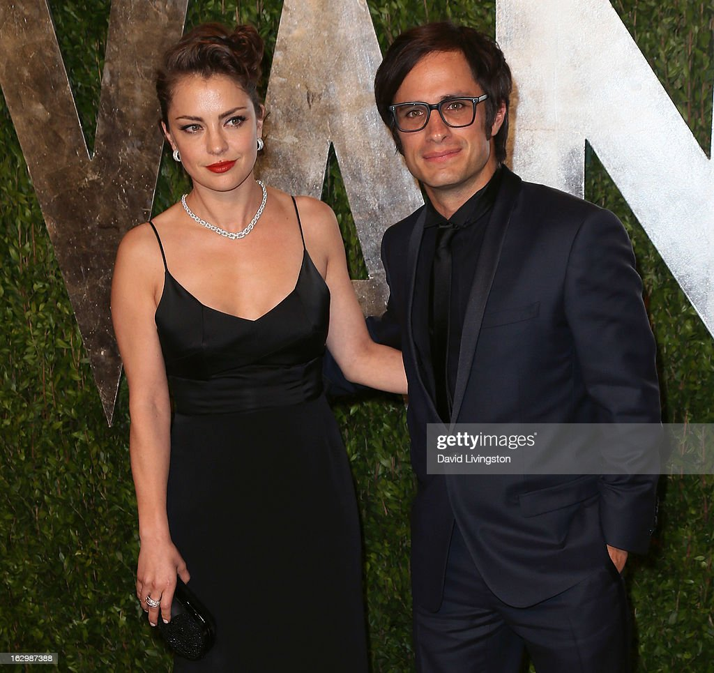 Actress Dolores Fonzi (L) and husband actor Gael Garcia Bernal attend the 2013 Vanity Fair Oscar Party at the Sunset Tower Hotel on February 24, 2013 in West Hollywood, California.