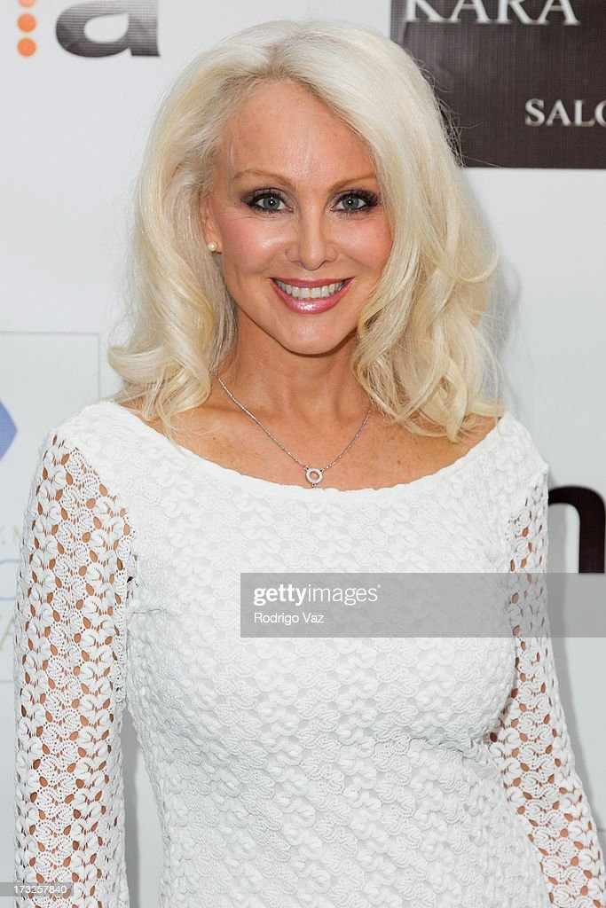 Actress <a gi-track='captionPersonalityLinkClicked' href=/galleries/search?phrase=Donna+Spangler&family=editorial&specificpeople=828469 ng-click='$event.stopPropagation()'>Donna Spangler</a> arrives at 'The Fountain Of Youth White Party' to celebrate
