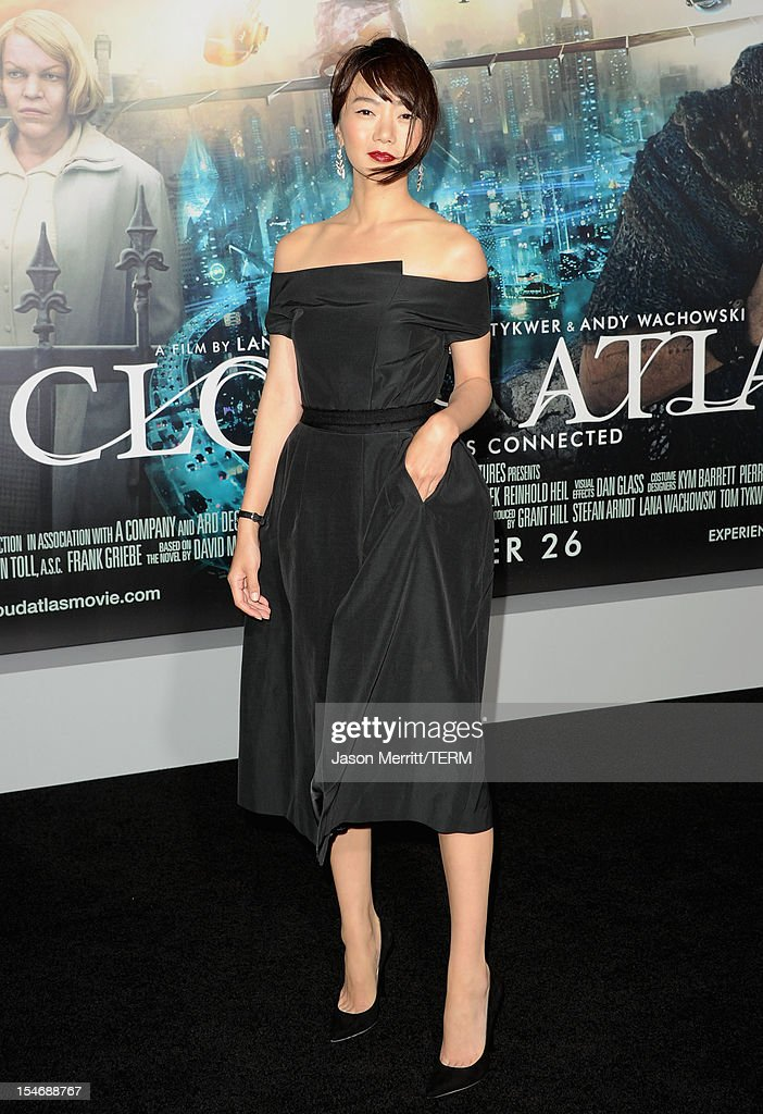 Actress Doona Bae arrives at Warner Bros. Pictures' 'Cloud Atlas' premiere at Grauman's Chinese Theatre on October 24, 2012 in Hollywood, California.