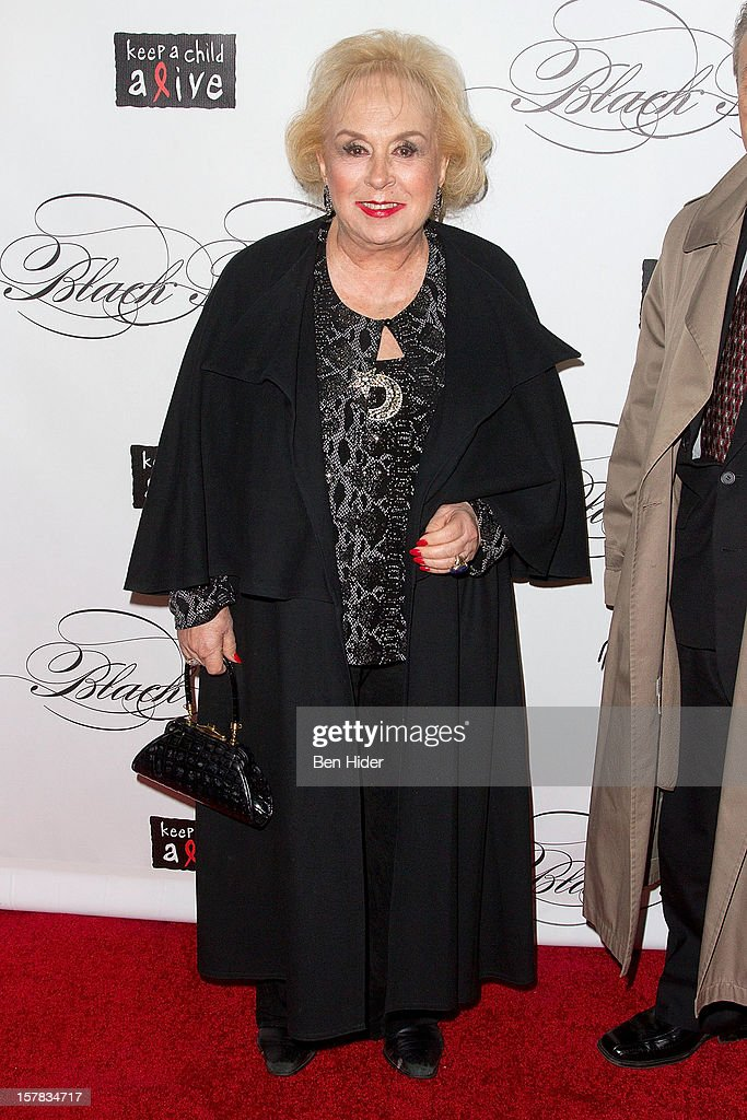 Actress <a gi-track='captionPersonalityLinkClicked' href=/galleries/search?phrase=Doris+Roberts&family=editorial&specificpeople=209247 ng-click='$event.stopPropagation()'>Doris Roberts</a> attends the Keep A Child Alive's Black Ball Redux 2012 at The Apollo Theater on December 6, 2012 in New York City.