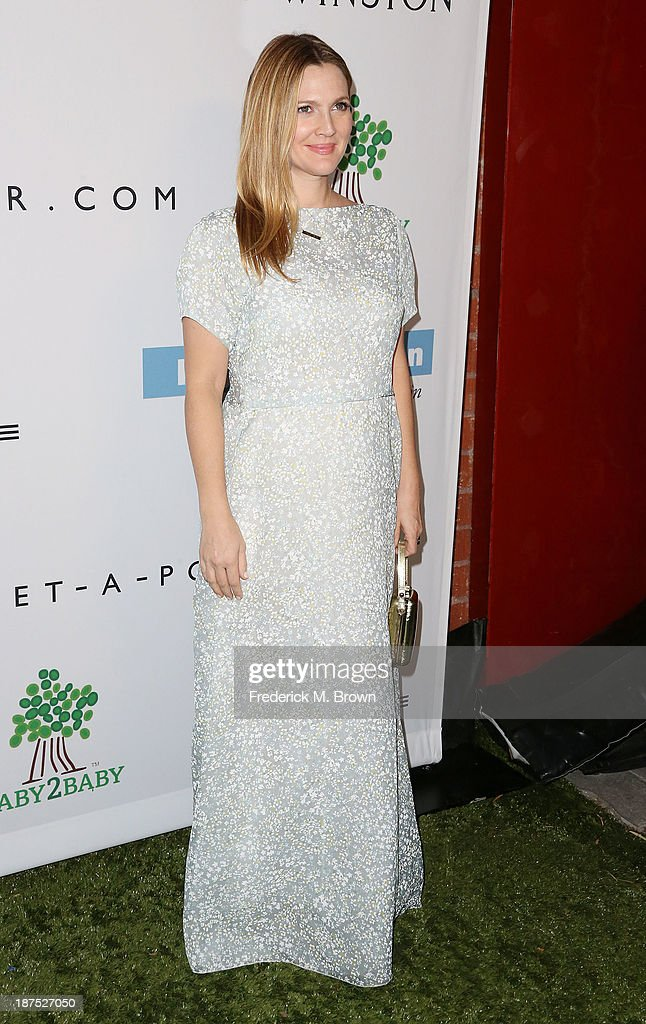 Actress <a gi-track='captionPersonalityLinkClicked' href=/galleries/search?phrase=Drew+Barrymore&family=editorial&specificpeople=201623 ng-click='$event.stopPropagation()'>Drew Barrymore</a> attends the Second Annual Baby2Baby Gala at the Book Bindery on November 9, 2013 in Culver City, California.