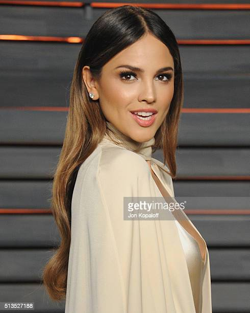 Actress Eiza Gonzalez arrives at the 2016 Vanity Fair Oscar Party Hosted By Graydon Carter at Wallis Annenberg Center for the Performing Arts on...