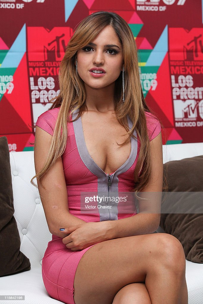 Actress Eiza Gonzalez attends a photo call and press conference during the Los Premios MTV 2009 Mexico at the Hipodromo De Las Americas on October 5...