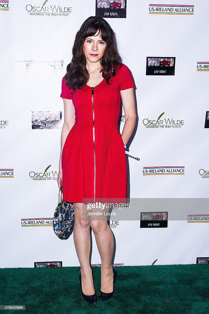 Actress <a gi-track='captionPersonalityLinkClicked' href=/galleries/search?phrase=Elaine+Cassidy&family=editorial&specificpeople=597876 ng-click='$event.stopPropagation()'>Elaine Cassidy</a> attends the 9th Annual 'Oscar Wilde: Honoring The Irish In Film' Pre-Academy Awards event at Bad Robot on February 27, 2014 in Santa Monica, California.