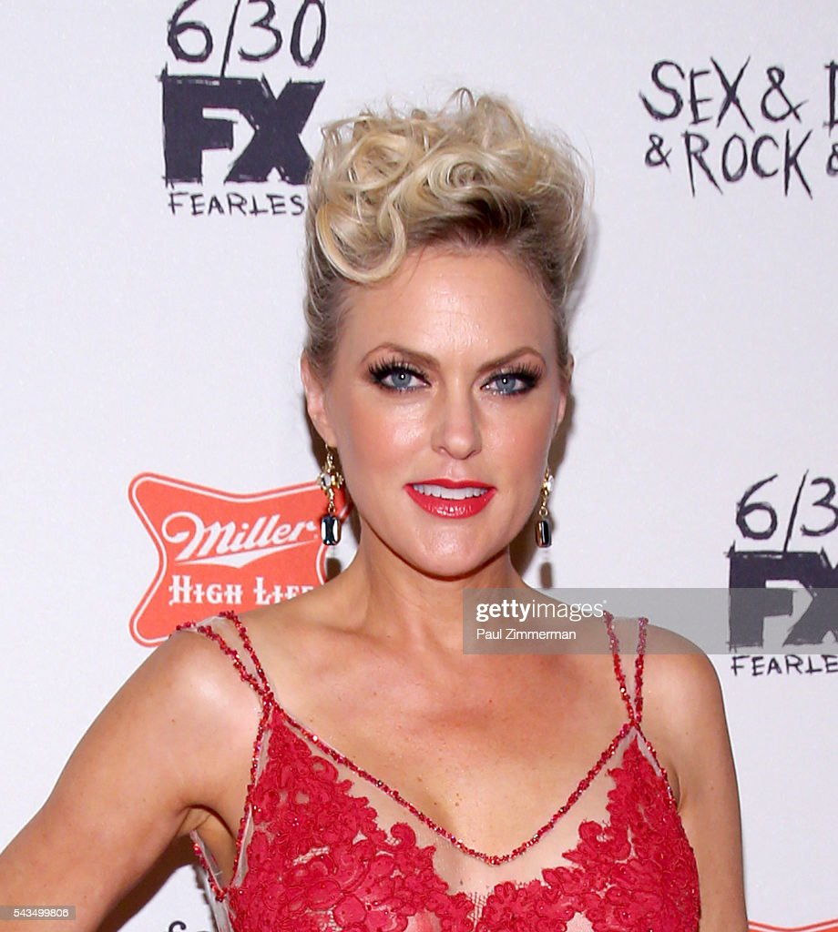 Actress <a gi-track='captionPersonalityLinkClicked' href=/galleries/search?phrase=Elaine+Hendrix&family=editorial&specificpeople=584608 ng-click='$event.stopPropagation()'>Elaine Hendrix</a> attends 'Sex&Drugs&Rock&Roll' Season 2 Premiere at AMC Loews 34th Street 14 theater on June 28, 2016 in New York City.