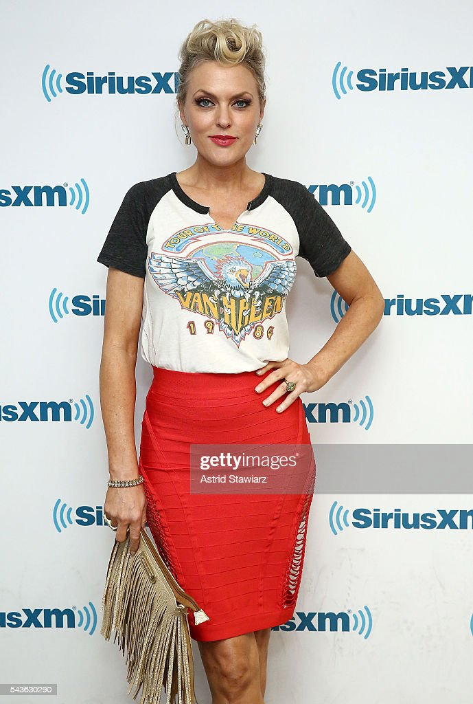 Actress <a gi-track='captionPersonalityLinkClicked' href=/galleries/search?phrase=Elaine+Hendrix&family=editorial&specificpeople=584608 ng-click='$event.stopPropagation()'>Elaine Hendrix</a> attends SiriusXM's 'Town Hall' With The Cast Of Sex&Drugs&Rock&Roll on June 29, 2016 in New York City.