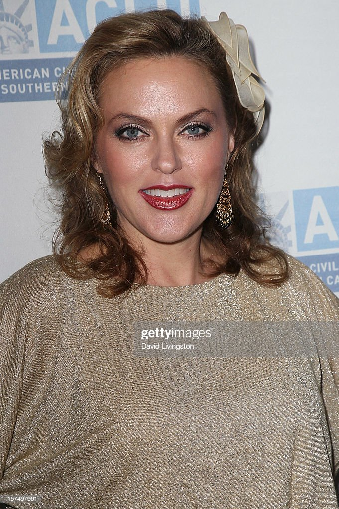 Actress Elaine Hendrix attends the ACLU of Southern California's 2012 Bill of Rights Dinner at the Beverly Wilshire Four Seasons Hotel on December 3, 2012 in Beverly Hills, California.