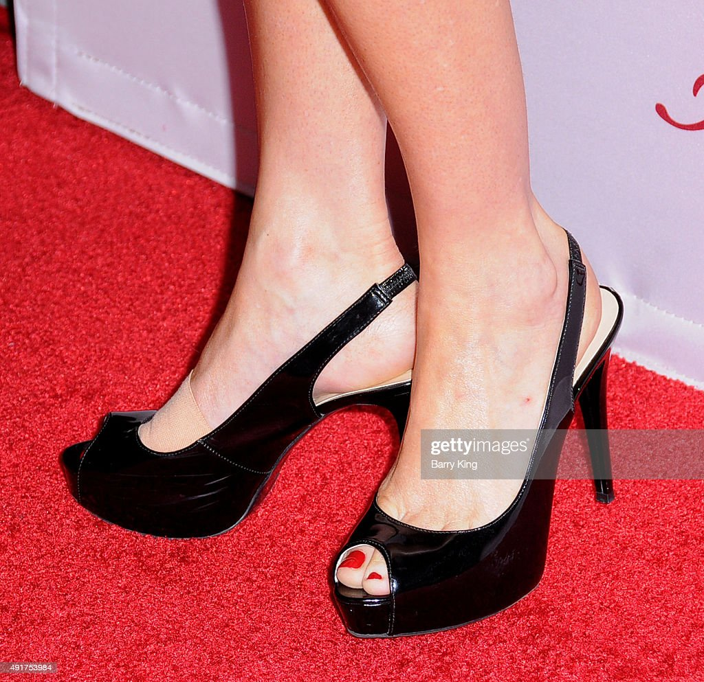 Actress Elaine Hendrix shoe detail arrives at the Premiere Of FX's 'Fargo' season 2 at ArcLight Cinemas on October 7 2015 in Hollywood California
