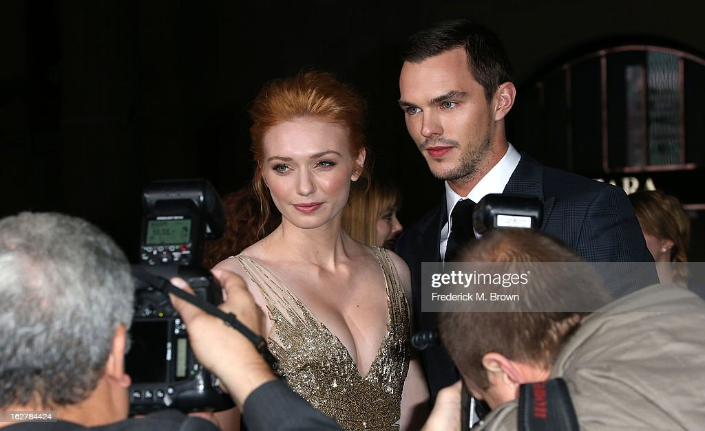 Actress <a gi-track='captionPersonalityLinkClicked' href=/galleries/search?phrase=Eleanor+Tomlinson&family=editorial&specificpeople=2649367 ng-click='$event.stopPropagation()'>Eleanor Tomlinson</a> (L) and actor <a gi-track='captionPersonalityLinkClicked' href=/galleries/search?phrase=Nicholas+Hoult&family=editorial&specificpeople=598892 ng-click='$event.stopPropagation()'>Nicholas Hoult</a> attend the Premiere Of New Line Cinema's 'Jack The Giant Slayer' at the TCL Chinese Theatre on February 26, 2013 in Hollywood, California.