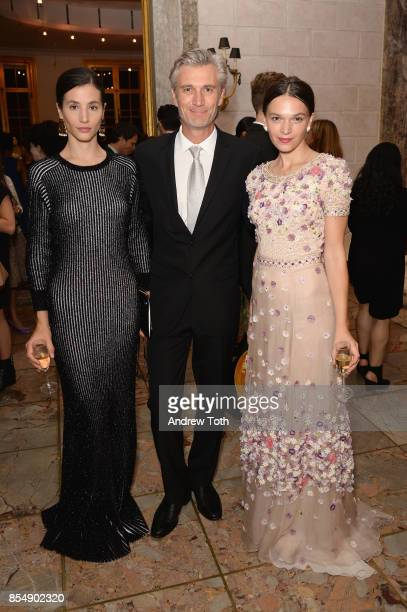Actress Elisa Lasowski SVP Marketing On Air Promotion at Ovation David Wideroe and actress Anna Brewster attend as Ovation TV celebrates the US...