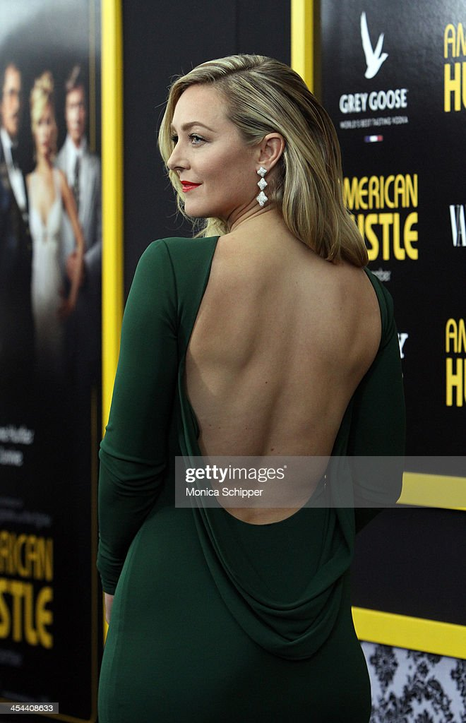 Actress Elizabeth Rohm attends Grey Goose Vodka and Vanity Fair present in part the world premiere of Columbia Pictures And Annapurna Pictures 'American Hustle' at Ziegfeld Theater on December 8, 2013 in New York City.