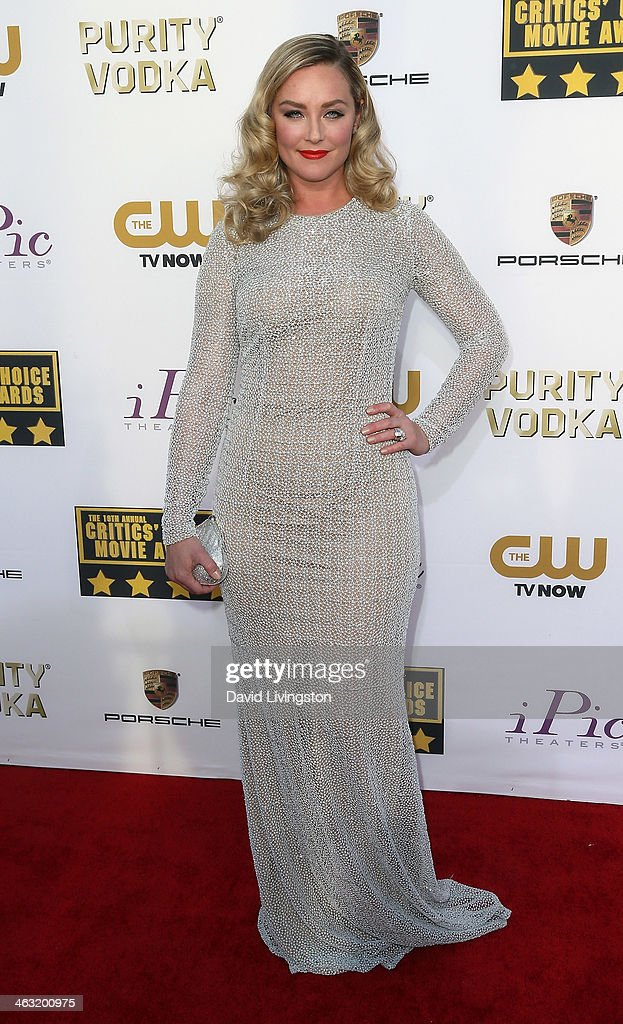 Actress Elizabeth Rohm attends the 19th Annual Critics' Choice Movie Awards at Barker Hangar on January 16, 2014 in Santa Monica, California.