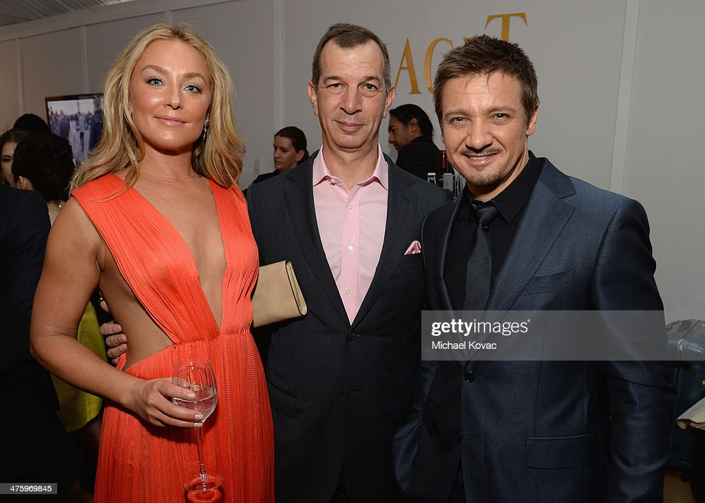 Actress <a gi-track='captionPersonalityLinkClicked' href=/galleries/search?phrase=Elisabeth+Rohm&family=editorial&specificpeople=203139 ng-click='$event.stopPropagation()'>Elisabeth Rohm</a>, CEO of Piaget <a gi-track='captionPersonalityLinkClicked' href=/galleries/search?phrase=Philippe+Leopold-Metzger&family=editorial&specificpeople=4900497 ng-click='$event.stopPropagation()'>Philippe Leopold-Metzger</a> and actor <a gi-track='captionPersonalityLinkClicked' href=/galleries/search?phrase=Jeremy+Renner&family=editorial&specificpeople=708701 ng-click='$event.stopPropagation()'>Jeremy Renner</a> pose in the Piaget Lounge during the 2014 Film Independent Spirit Awards at Santa Monica Beach on March 1, 2014 in Santa Monica, California.