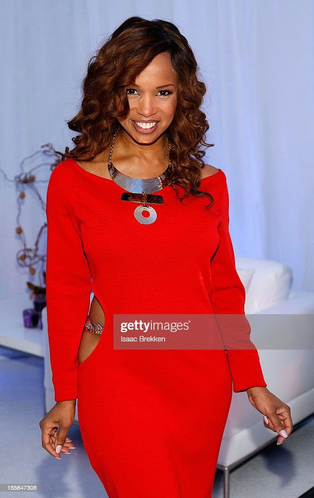 Actress Elise Neal arrives at the Glade Suite at the Soul Train Awards 2012 at PH Live at Planet Hollywood Resort & Casino on November 8, 2012 in Las Vegas, Nevada.