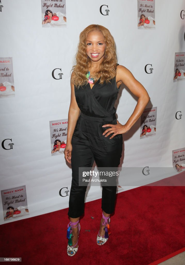 Actress <a gi-track='captionPersonalityLinkClicked' href=/galleries/search?phrase=Elise+Neal&family=editorial&specificpeople=204780 ng-click='$event.stopPropagation()'>Elise Neal</a> attends the release party for Niecy Nash new book 'It's Hard To Fight Naked' at the Luxe Rodeo Drive Hotel on May 14, 2013 in Beverly Hills, California.