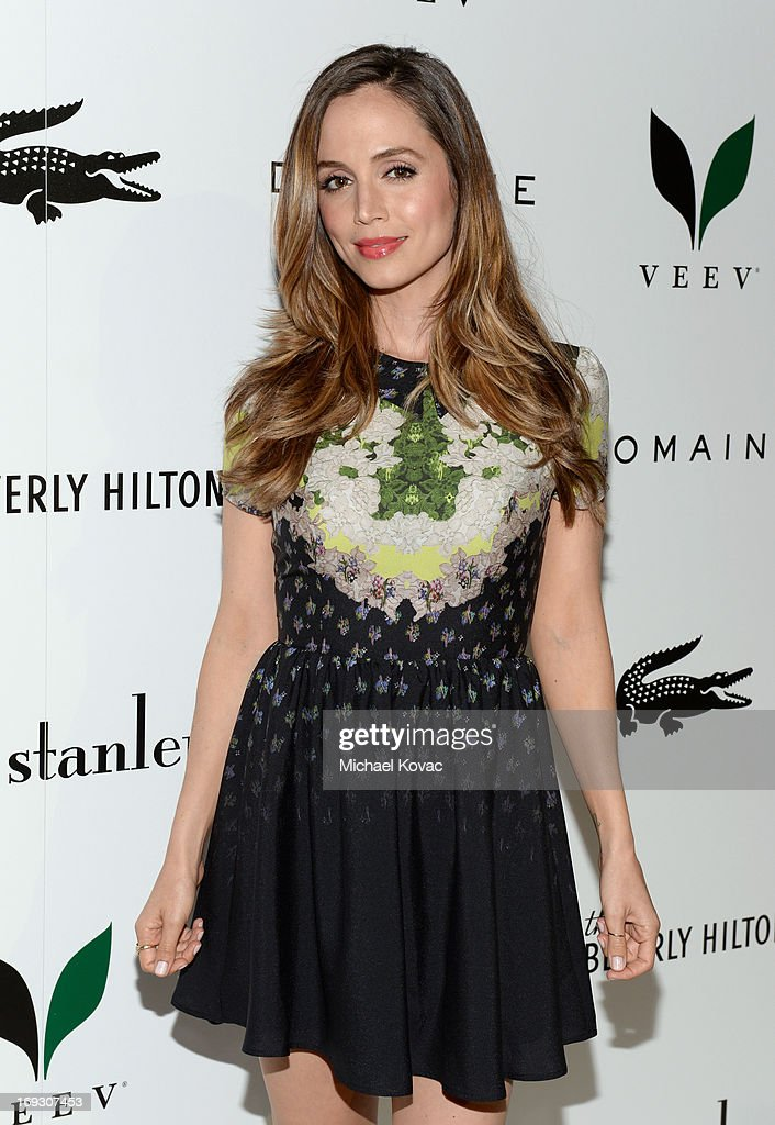 Actress <a gi-track='captionPersonalityLinkClicked' href=/galleries/search?phrase=Eliza+Dushku&family=editorial&specificpeople=209091 ng-click='$event.stopPropagation()'>Eliza Dushku</a> attends The Beverly Hilton unveiling of the redesigned Aqua Star Pool By Estee Stanley at The Beverly Hilton Hotel on May 22, 2013 in Beverly Hills, California.