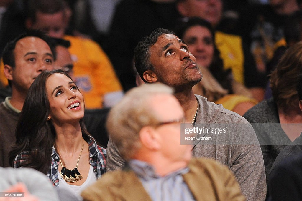 Actress Eliza Dushku, left, and former Los Angeles Lakers player Rick Fox attend a game between the Utah Jazz and the Lakers at Staples Center on January 25, 2013 in Los Angeles, California.