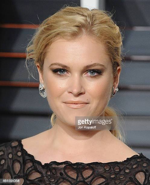 Actress Eliza Taylor arrives at the 2015 Vanity Fair Oscar Party Hosted By Graydon Carter at Wallis Annenberg Center for the Performing Arts on...