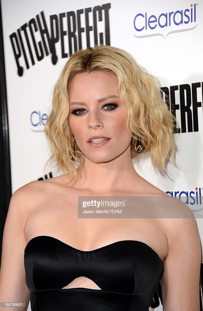 Actress <a gi-track='captionPersonalityLinkClicked' href=/galleries/search?phrase=Elizabeth+Banks&family=editorial&specificpeople=202475 ng-click='$event.stopPropagation()'>Elizabeth Banks</a> arrives at the premiere of Universal Pictures And Gold Circle Films' 'Pitch Perfect' at ArcLight Cinemas on September 24, 2012 in Hollywood, California.