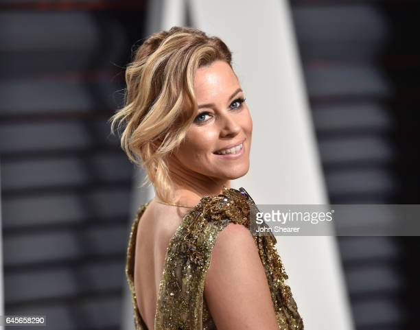 Actress Elizabeth Banks attends the 2017 Vanity Fair Oscar Party hosted by Graydon Carter at Wallis Annenberg Center for the Performing Arts on...