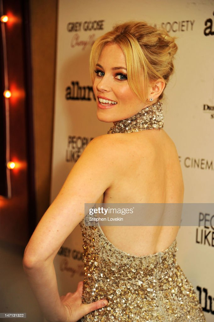 Actress <a gi-track='captionPersonalityLinkClicked' href=/galleries/search?phrase=Elizabeth+Banks&family=editorial&specificpeople=202475 ng-click='$event.stopPropagation()'>Elizabeth Banks</a> attends the Cinema Society with Linda Wells & Allure screening of DreamWorks Studios' 'People Like Us' at Clearview Chelsea Cinemas on June 25, 2012 in New York City.