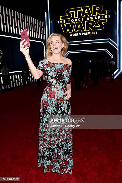 "Actress Elizabeth Banks attends the World Premiere of ""Star Wars The Force Awakens"" at the Dolby El Capitan and TCL Theatres on December 14 2015 in..."