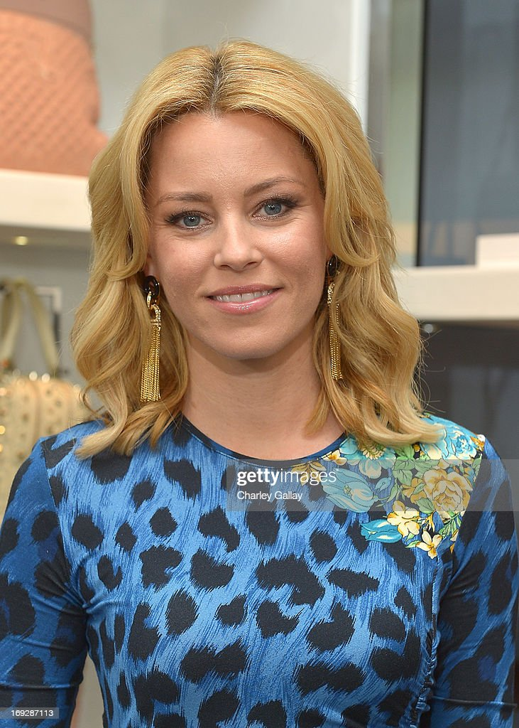 Actress <a gi-track='captionPersonalityLinkClicked' href=/galleries/search?phrase=Elizabeth+Banks&family=editorial&specificpeople=202475 ng-click='$event.stopPropagation()'>Elizabeth Banks</a> attends Versace, Vanity Fair, And <a gi-track='captionPersonalityLinkClicked' href=/galleries/search?phrase=Elizabeth+Banks&family=editorial&specificpeople=202475 ng-click='$event.stopPropagation()'>Elizabeth Banks</a> Luncheon Benefitting Vital Voices Global Partnership at Versace on May 22, 2013 in Beverly Hills, California.