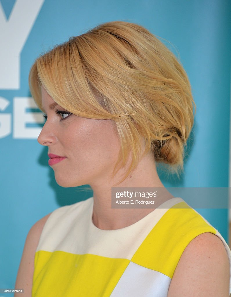 Actress Elizabeth Banks launches the 2nd Annual Listerine 21-Day Challenge at The Children's Dental Center of Greater Los Angeles on February 13, 2014 in Inglewood, California.