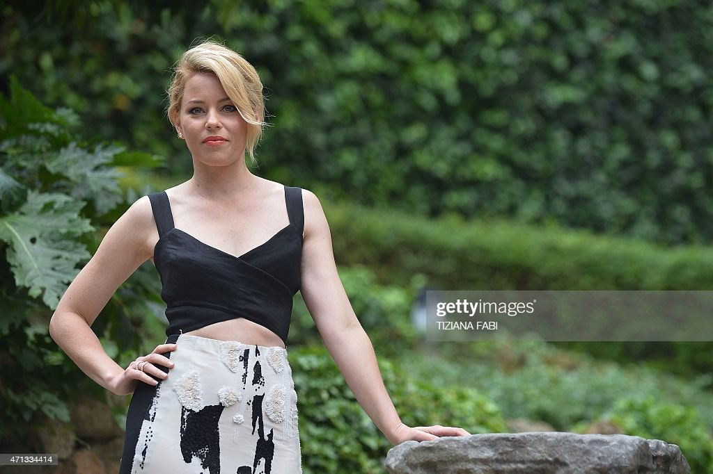 US actress <a gi-track='captionPersonalityLinkClicked' href=/galleries/search?phrase=Elizabeth+Banks&family=editorial&specificpeople=202475 ng-click='$event.stopPropagation()'>Elizabeth Banks</a> poses during a photocall of the film 'Pitch Perfect 2' in Rome on April 27, 2015.