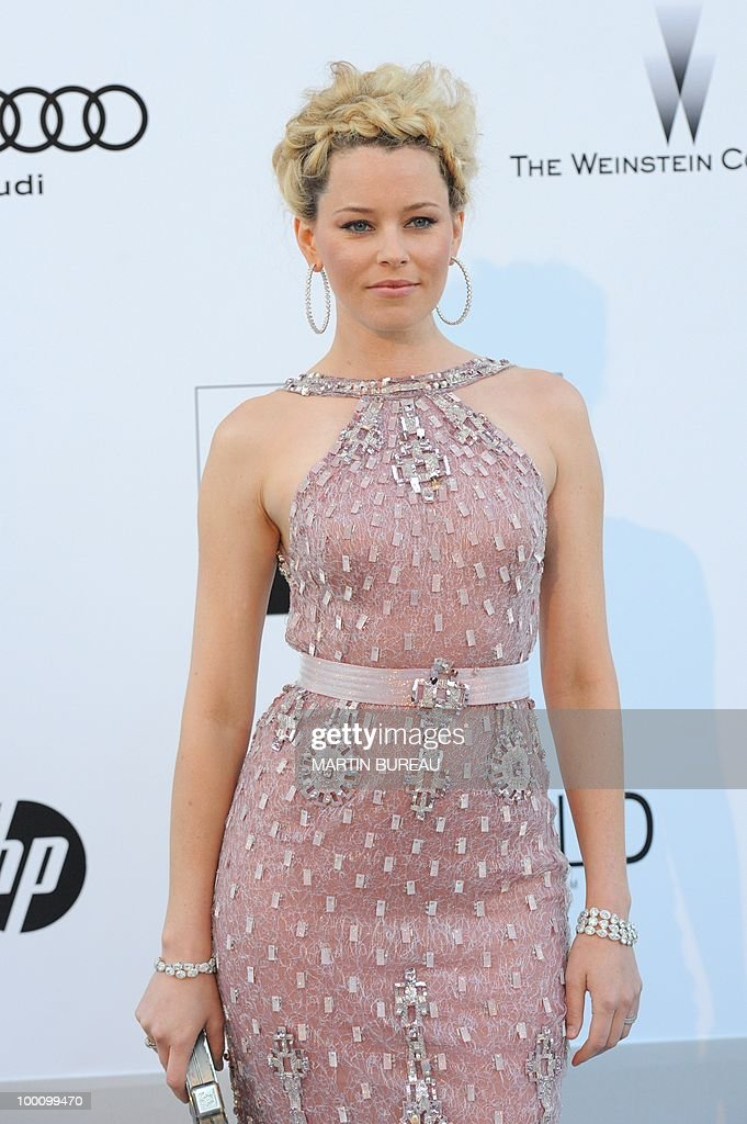 US actress Elizabeth Banks poses while arriving at amfAR's Cinema Against Aids 2010 benefit gala on May 20, 2010 in Antibes, southeastern France.