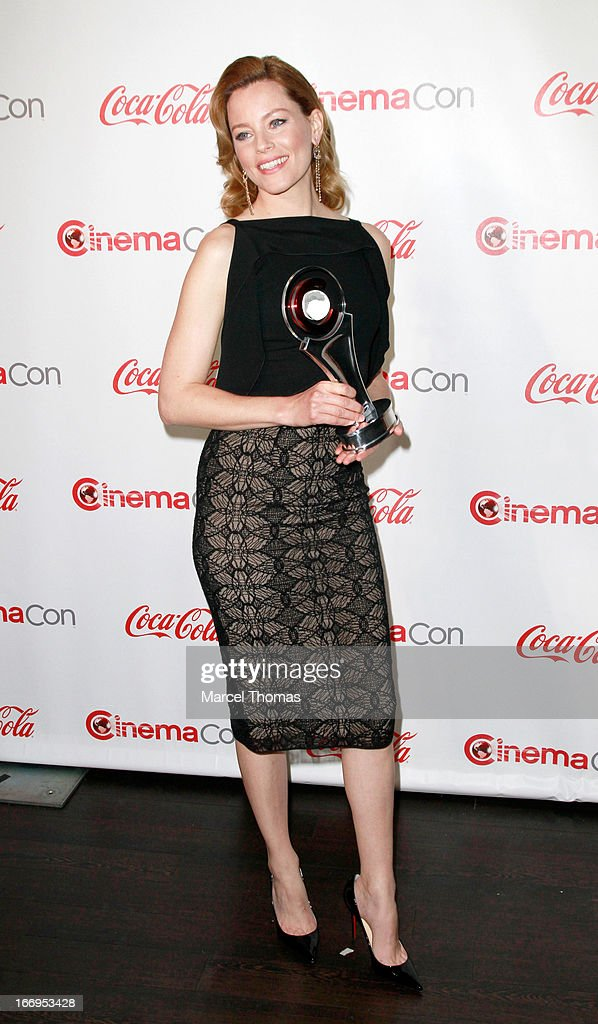 Actress <a gi-track='captionPersonalityLinkClicked' href=/galleries/search?phrase=Elizabeth+Banks&family=editorial&specificpeople=202475 ng-click='$event.stopPropagation()'>Elizabeth Banks</a>, recipient of the Award of Excellence in Acting, arrives at the CinemaCon Big Screen Achievement Awards at the Pure Nightclub at Caesars Palace during CinemaCon 2013 on April 18, 2013 in Las Vegas, Nevada.