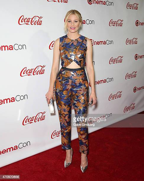 Actress Elizabeth Banks winner of CinemaCon's Breakthrough Filmmaker of the Year attends the 2015 Big Screen Achievement Awards during 2015 CinemaCon...