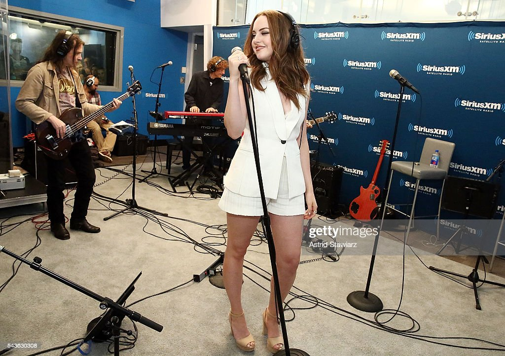 Actress <a gi-track='captionPersonalityLinkClicked' href=/galleries/search?phrase=Elizabeth+Gillies&family=editorial&specificpeople=6839338 ng-click='$event.stopPropagation()'>Elizabeth Gillies</a> attends SiriusXM's 'Town Hall' With The Cast Of Sex&Drugs&Rock&Roll on June 29, 2016 in New York City.