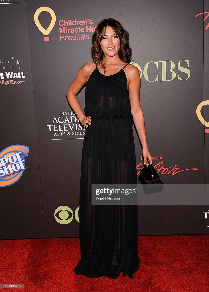 Actress Elizabeth Hendrickson arrives at the 38th Annual Daytime Entertainment Emmy Awards held at the Las Vegas Hilton on June 19, 2011 in Las Vegas, Nevada.