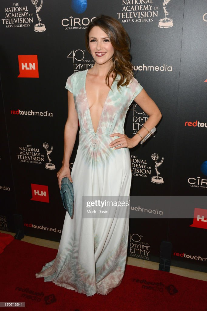 Actress Elizabeth Hendrickson attends The 40th Annual Daytime Emmy Awards at The Beverly Hilton Hotel on June 16, 2013 in Beverly Hills, California.