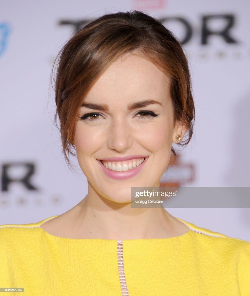 Actress Elizabeth Henstridge arrives at the Los Angeles premiere of 'Thor: The Dark World' at the El Capitan Theatre on November 4, 2013 in Hollywood, California.